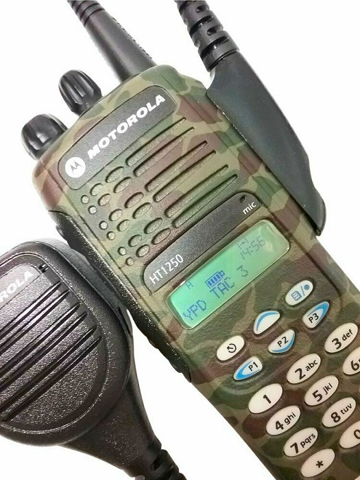 Motorola HT1250 Model III UHF Camo Two Way Radio 403-470 MHz MDC